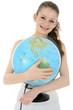 Lachende Schülerin mit Globus