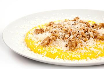 polenta con frutta secca