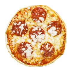 Billige Tiefkühlpizza aus dem Supermarkt isoliert auf weiß