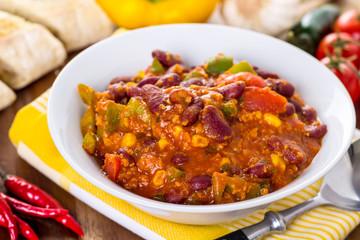 Chili con carne - Bohneneintopf mit Hackfleisch und Gemüse