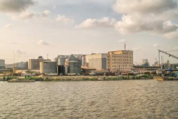 silos of fluor
