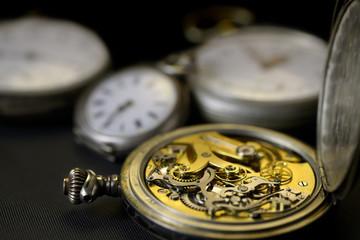 detail du mécanisme de montres anciennes