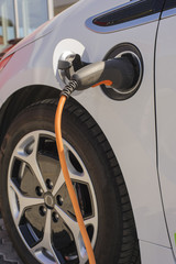 Refueling electric car