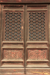 Wood windows and sculpture works in the Eastern Royal Tombs of t