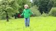 Kind spielt mit Lenkdrachen, Zoomeffekt