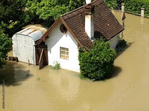 Überflutung - Hochwasser - Haus - 53048051