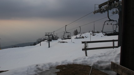 Closed chair lift