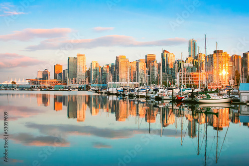 Foto op Canvas Mediterraans Europa Vancouver skyline with harbor at sunset, BC, Canada