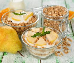 Muesli with yogurt and pear
