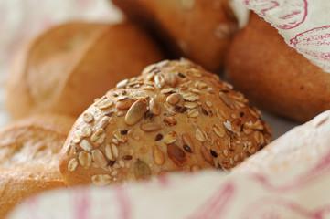 Frisches Brot und Broetchen.