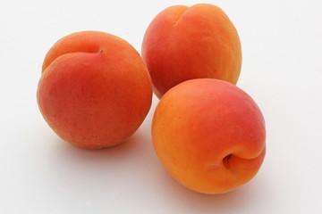 3 abricots