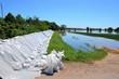 Sandsäcke beim Hochwasser  2013