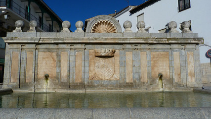 Fontaine Plaza Mayor Chinchon