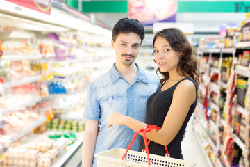 couple in a supermarket