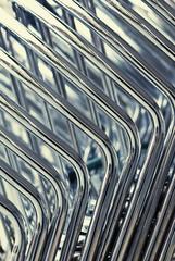 tubos cromados, fondo abstracto