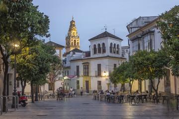 Calle de la judería y mezquita de Córdoba - España