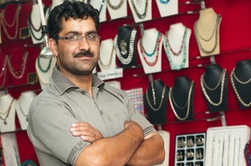 seller of jewelry shops in India
