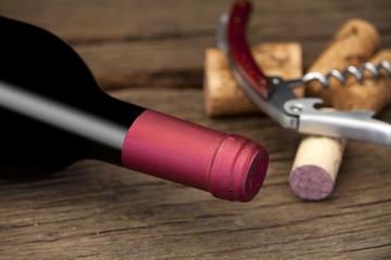 Wein, Korkenzieher und Korken - Wine, corkscrew and cork
