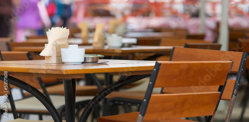 Restaurant table - 53171618