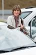 Femme et auto