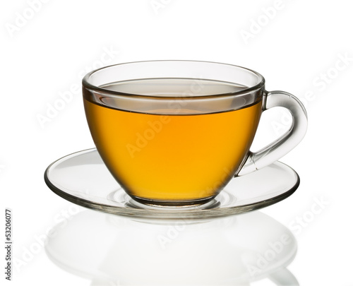 Aluminium Thee Transparent cup of tea isolated on white
