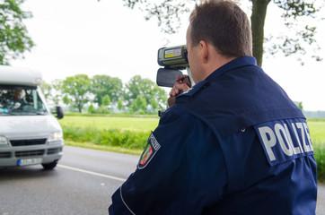 deutscher polizist lasert