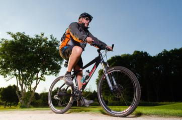 dynamischer fahrradfaherer