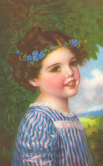 Mädchen mit Blumenkranz im Haar