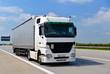 LKW auf Autobahn // truck