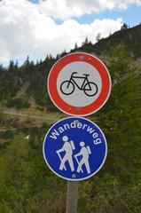 Wanderweg-Fahrradfahren verboten