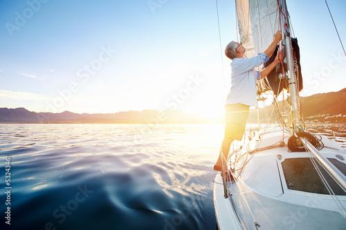 Staande foto Jacht sunrise sailing boat