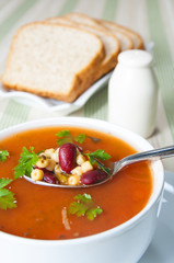bowl ofminestrone soup