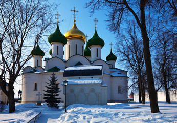 Cathedral of the Transfiguration  at Suzdal in winter. Russia