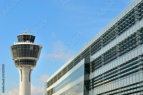 Fotobehang Luchthaven Control tower at Munich Airport, Germany