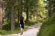 Wanderin im Wald