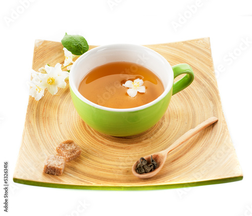 Green tea with jasmine and sugar