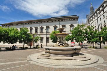 Milano Piazza Fontana - Arcivescovado e Duomo