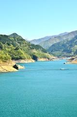 春の浦山ダム