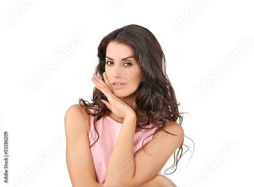 девушка  с рукой возле лица