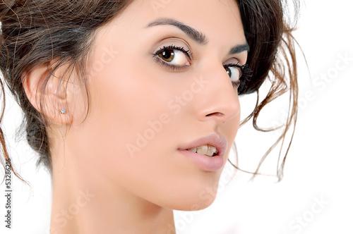 лицо молодой девушки, макияж