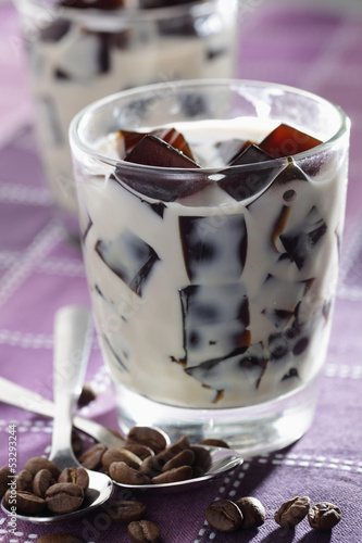 Coffee jelly with milk