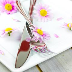 Besteck mit Blüten