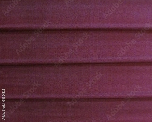 lineas horizontales en purpura