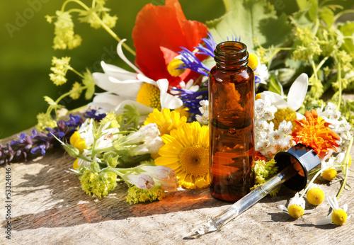 Deurstickers Poppy Homöopathische Tropfen mit Kräutern