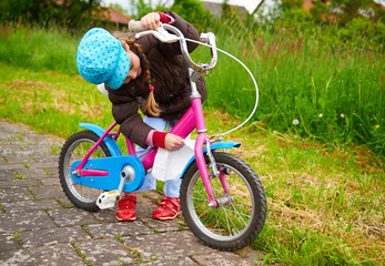 kind mit dem fahrrad