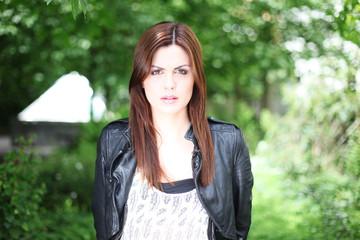 portrait hübsche junge Frau