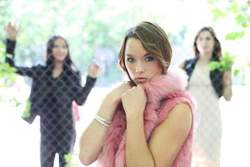 hübsche junge Frauen
