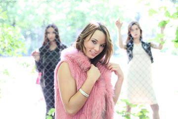 junge hübsche Frauen
