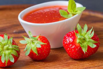 Konfitüre aus Erdbeeren