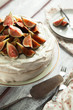Meringue cake with fresh figs